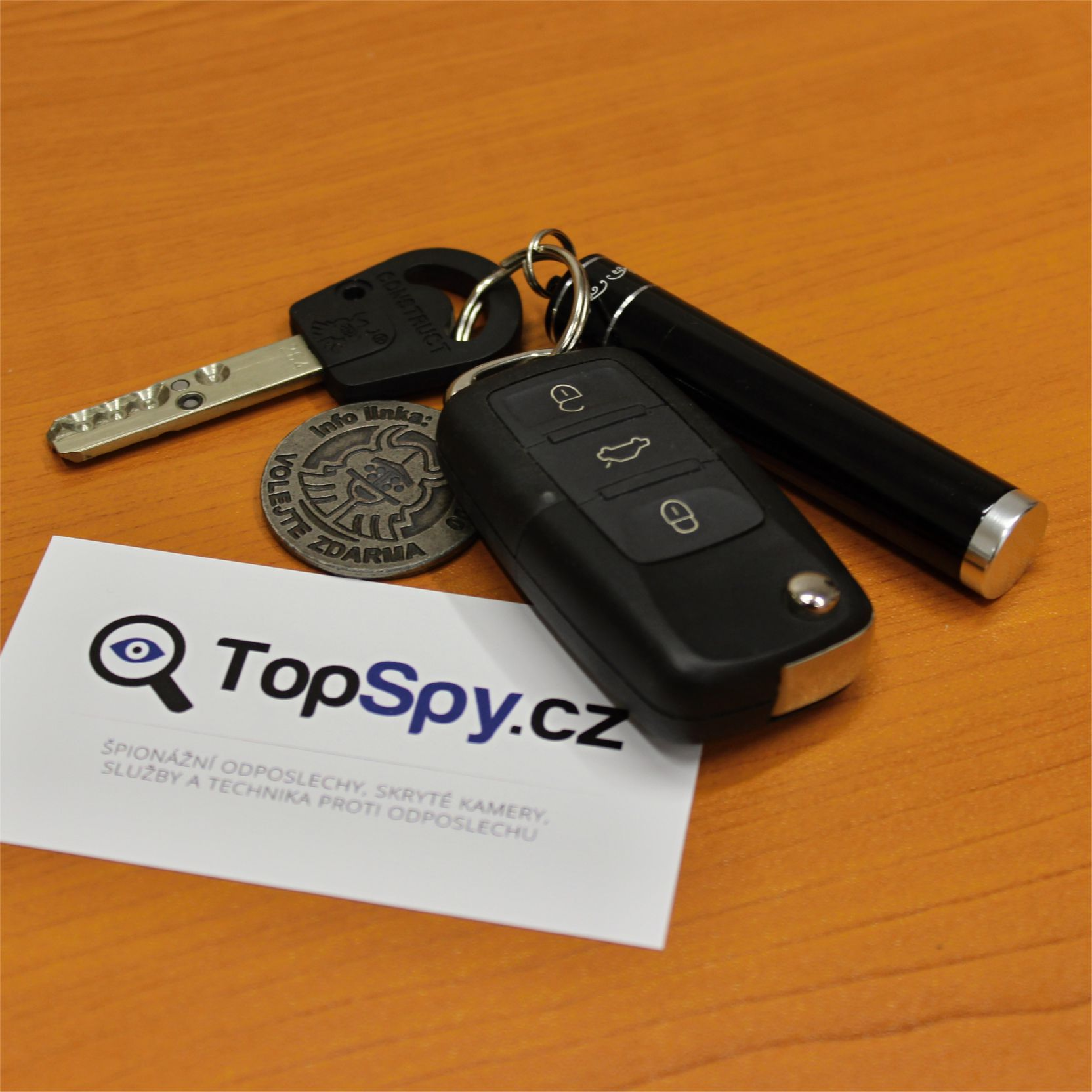 Odposlech - špionážní klíčenka TopSpy USB 400